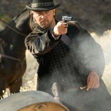 Russell Crowe in una scena di Quel treno per Yuma