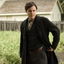 Casey Affleck in una scena del dramma The Assassination of Jesse James