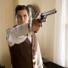 Casey Affleck in una sequenza de L'assassinio di Jesse James