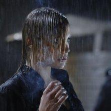 Katee Sackhoff in una scena del pilot di Bionic Woman