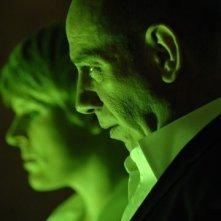 Miguel Ferrer e Molly Price nel pilot di Bionic Woman