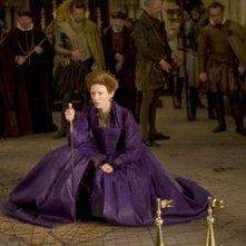 La regale Cate Blanchett è Queen Elizabeth I in una scena del film Elizabeth: The Golden Age