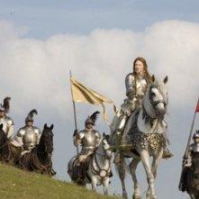 Cate Blanchett è la Regina Elizabeth I in una scena del film Elizabeth: The Golden Age