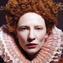 Cate Blanchett in una scena del film The Golden Age (2007)