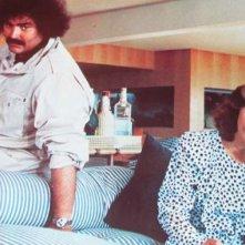 Diego Abatantuono con Laura Antonelli in una scena di 'Viuuulentemente mia'