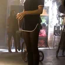 Sienna Miller in una sequenza del film Factory Girl