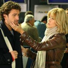 Nancy Brilli con Alessandro Siani in una scena di Natale in Crociera