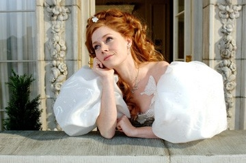 Una sognante e romantica Amy Adams in una scena di Come d'incanto