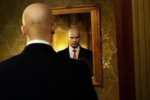 Timothy Olyphant in una sequenza del film Hitman