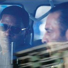 Jamie Foxx e Ashraf Barhoum in una scena di The Kingdom
