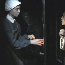Chiara Tortorella e Sydne Rome in una sequenza del film Il nascondiglio