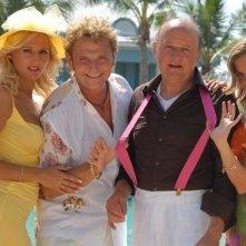 Enzo Salvi e Massimo Boldi in una scena di Matrimonio alle Bahamas