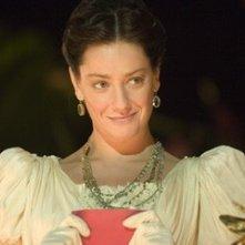 Giovanna Mezzogiorno in una sequenza de L'amore ai tempi del colera