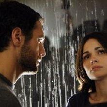 Raoul Bova insieme a Romina Mondello in una scena di Milano-Palermo: il ritorno