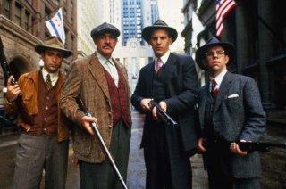 Andy Garcia, Sean Connery e Kevin Costner in una scena de Gli Intoccabili.
