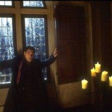 Timothy Dalton in una scena di POSSESSED
