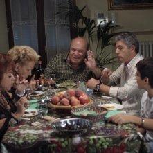 Lino Banfi e Biagio Izzo con Giuliana Calandra in una scena del film L'allenatore nel pallone 2