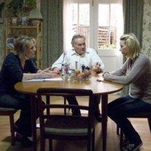 Sinead Cusack, Jerzy Skolimowski e Naomi Watts in una scena de La promessa dell'assassino