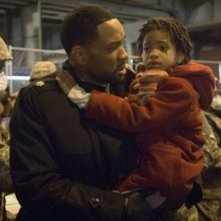Will Smith e Willow Smith in una scena di Io sono leggenda