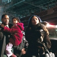 Will Smith, Willow Smith e Salli Richardson-Whitfield in una scena di Io sono leggenda