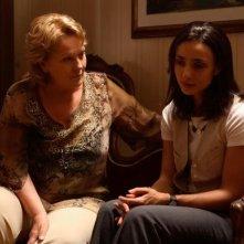 Katia Ricciarelli e Ambra Angiolini in una scena del film Bianco e Nero