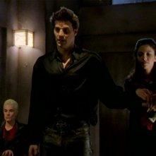 David Boreanaz, James Marsters e Juliet Landau in una sequenza dell'episodio 'L'inizio della storia (2ª parte)' della seconda stagione di Buffy - L'ammazzavampiri