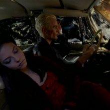 James Marsters e Juliet Landau in una sequenza dell'episodio 'L'inizio della storia (2ª parte)' della seconda stagione di Buffy - L'ammazzavampiri