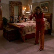 Kristine Sutherland, Nicholas Brendon e Alyson Hannigan in una scena dell'episodio 'La festa dei morti viventi' di Buffy - L'ammazzavampiri