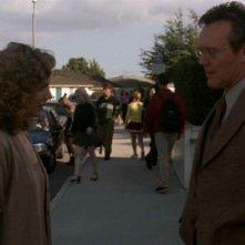 Anthony Head e Kristine Sutherland nell'episodio 'I dolci della banda' di Buffy - L'ammazzavampiri