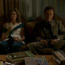 Kristine Sutherland e Anthony Head alle prese con i dolci eponimi dell'episodio 'I dolci della banda' di Buffy - L'ammazzavampiri