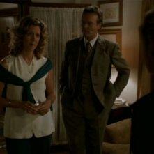 Kristine Sutherland e Anthony Head nell'episodio 'I dolci della banda' di Buffy - L'ammazzavampiri