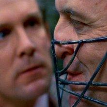 Anthony Heald e Anthony Hopkins in una scena de IL SILENZIO DEGLI INNOCENTI