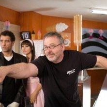 Clive Owen e Michael Davis con Monica Bellucci sul set del film Shoot 'Em Up