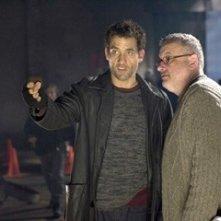 Clive Owen e Michael Davis sul set del film Shoot 'Em Up