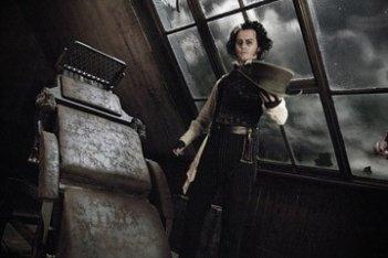 Depp in una scena di Sweeney Todd