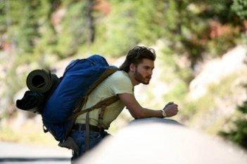 Emile Hirsch in una sequenza del film Into the Wild, diretto da Sean Penn