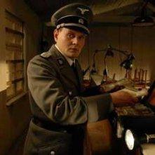 Una sequenza del film Il falsario - Operazione Bernhard