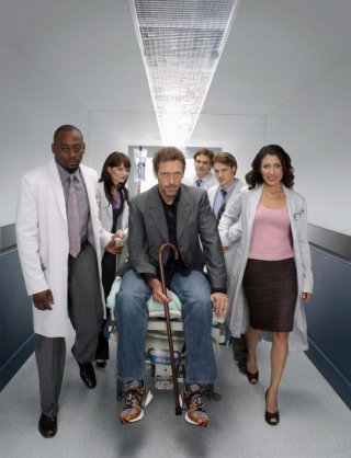 Il cast di Dr House: Medical Division in un'immagine promozionale della terza stagione