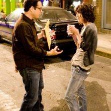 J.J. Abrams e Lizzy Caplan sul set di Cloverfield.