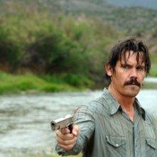 Josh Brolin in una sequenza del film Non è un paese per vecchi