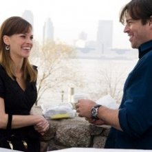 Harry Connick Jr. con Hilary Swank in una sequenza del film P.S. I Love You - Non è mai troppo tardi per dirlo