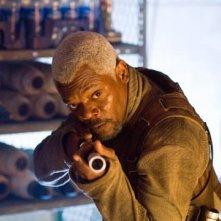 Samuel L. Jackson in una sequenza d'azione del film Jumper - Senza confini