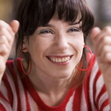 Un primo piano di Sally Hawkins in 'Happy Go-Lucky'