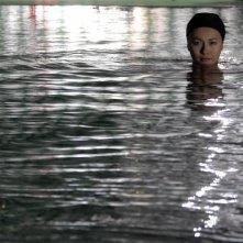 Valentina Izumì in una suggestiva immagine del film Questa notte è ancora nostra