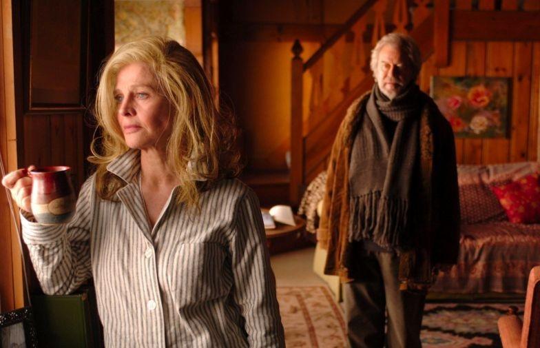 Julie Christie con Gordon Pinsent in una sequenza di Away from Her - Lontano da lei