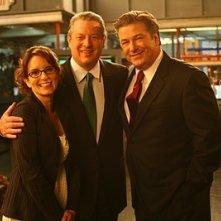 Tina Fey, Alec Baldwin e Al Gore in una sequenza dell'episodio 'Greenzo' della seconda stagione di 30 Rock