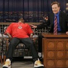 Tracy Morgan e Conan O'Brien in una scena dell'episodio 'Tracy Does Conan' della prima stagione di 30 Rock