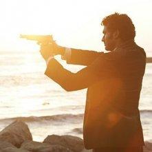 Heroes Volume II - Episodio 9: Mohinder (Sendhil Ramamurthy) mira con la pistola