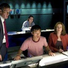 Dennis Quaid e Sigourney Weaver in una scena di Prospettive di un delitto
