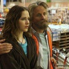 Michael Douglas e Evan Rachel Wood in una scena di Alla scoperta di Charlie